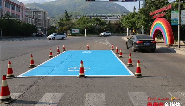 提升路口通行力、約談助力車企業 泰山景區交警排堵保暢